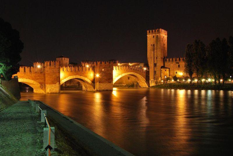 Verona_-_Ponte_di_Castelvecchio
